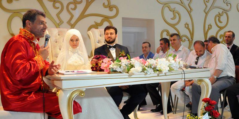 İbrahim Elgin kızını evlendirdi
