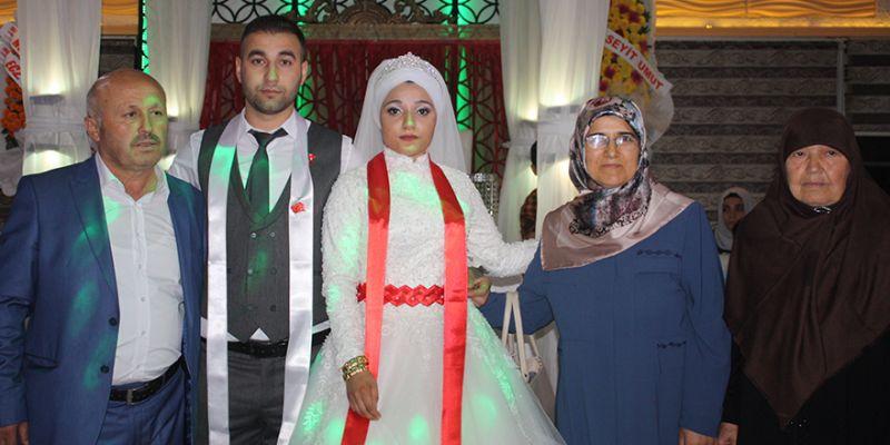 Erhan ile Şule evlendi