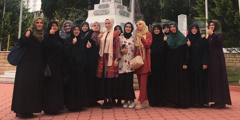 Yeniden Refahlı kadınlar 17 Ağustos'u unutmadı