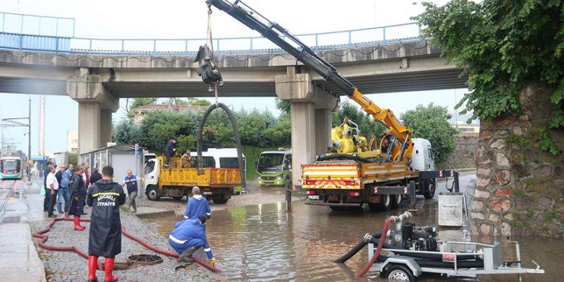 Metrekare başına 40 kg yağmur! Büyükşehir teyakkuza geçti