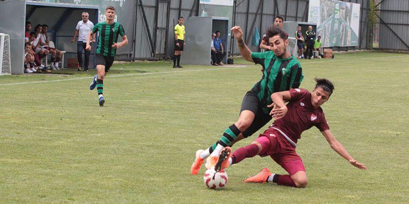 Gençler galibiyetle başladı: 3-0