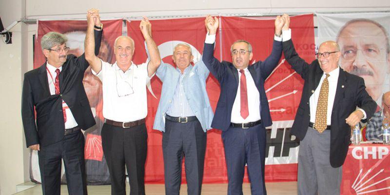 CHP Kartepe'de sessiz sedasız kongre