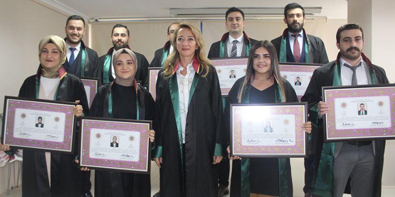 Kocaeli Barosu'na 9 genç avukat
