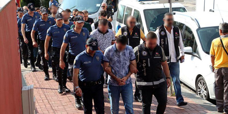 FETÖ'den yakalanan 8 sivil tutuklandı