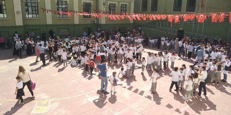 Kocaeli'de deprem nedeniyle okullar tatil!