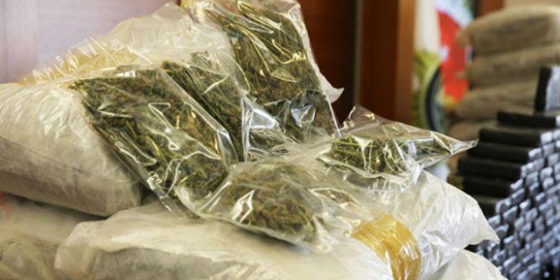 Kocaeli'de kilolarca uyuşturucu ele geçirildi