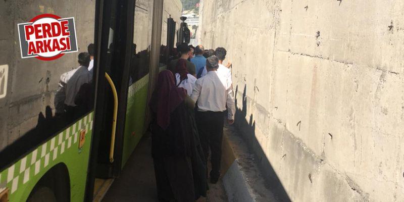 Otobüs arıza yaptı, olan yolculara oldu