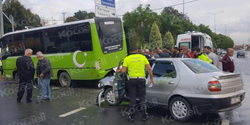 Halk otobüsü ile otomobil çarpıştı: 2'si çocuk 5 yaralı
