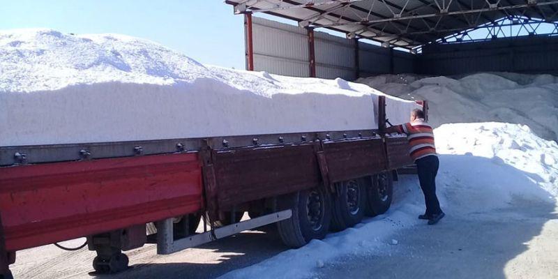 Kış hazırlığı kapsamında 500 ton tuz depolandı