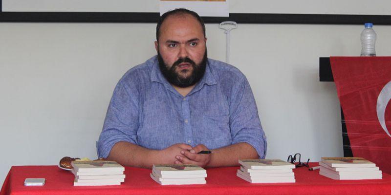 Gökhan Beşiktaş, kitabını imzaladı