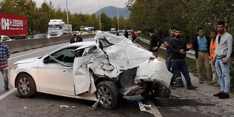 Kalp krizi geçiren şoför otomobile çarptı