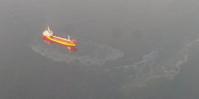 Körfez'i kirleten 10 gemiye 10 milyon TL ceza!