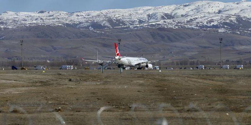 Ankara'da koronavirüs alarmı! Uçak acil iniş yaptı