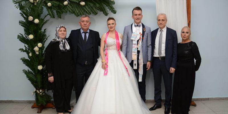 Çisil ile Enes Çetin evliler kervanında