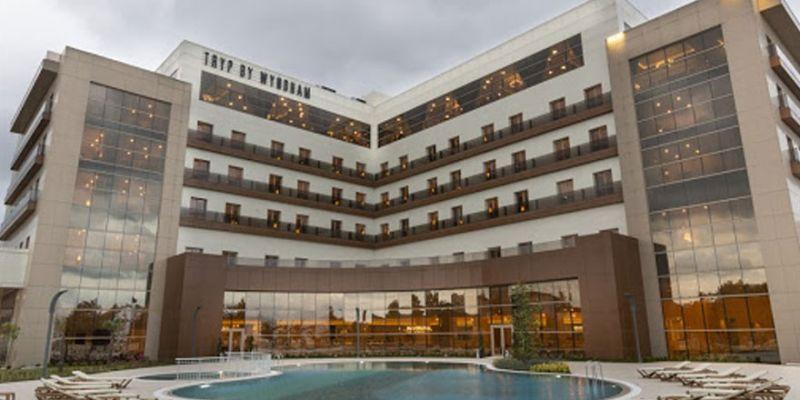 Lastik-İş'ten örnek davranış! Dev otel sağlık çalışanlarına tahsis edildi