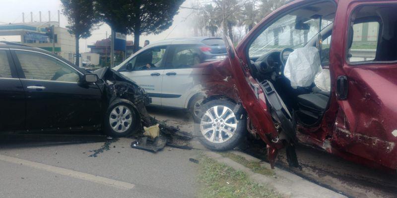 2 otomobil çarpıştı: 3 yaralı