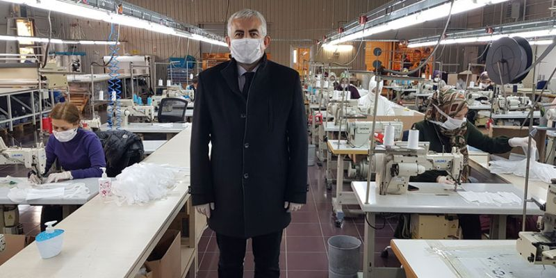 'Büyükşehir günlük 17 bin maske üretiyor'