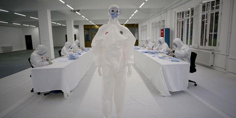 Dikimevi Müdürlükleri haftada 1 milyon maske üretiyor