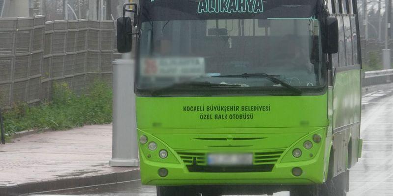 Vicdansız şoför sağlık çalışanını otobüsten indirdi