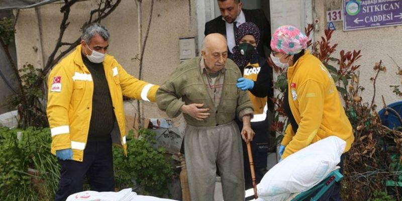 Burhan amca hastaneye kaldırıldı