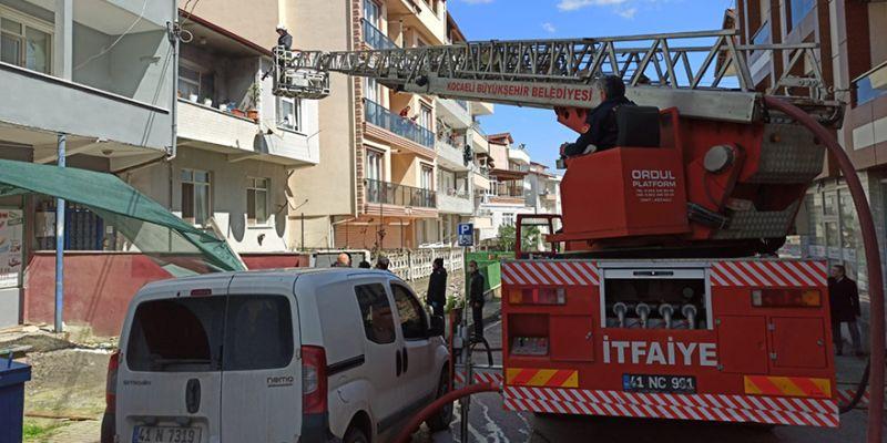 2 katlı binada yangın paniği