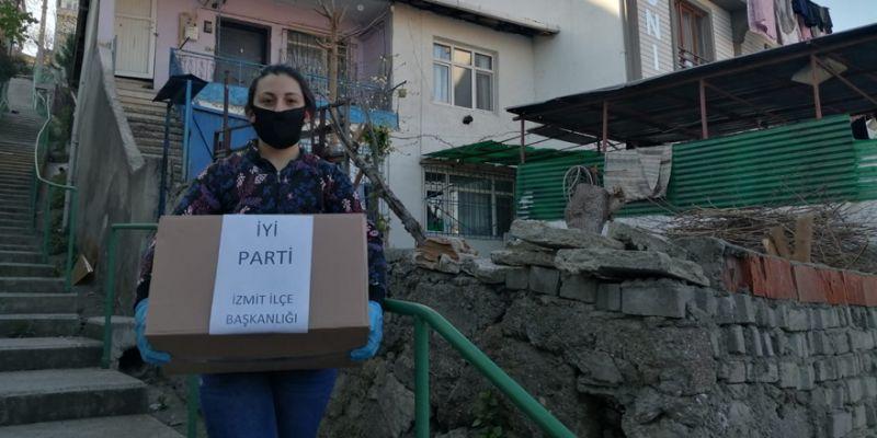 İYİ Parti İzmit yardım için İzmit sokaklarında