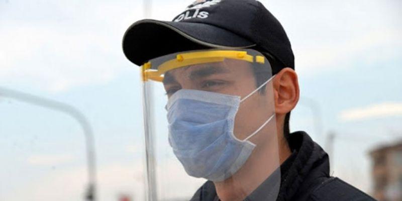 MEB'den polislere yüz koruyucu siperlik