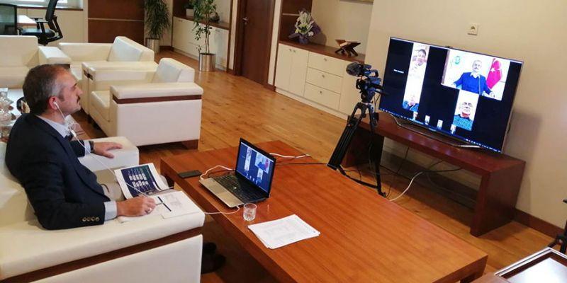Çiftçi'den ilçe başkanlarıyla video konferans