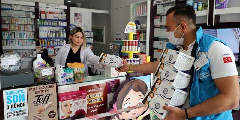 Kocaeli'de 3 saatte 240 bin maske tükendi