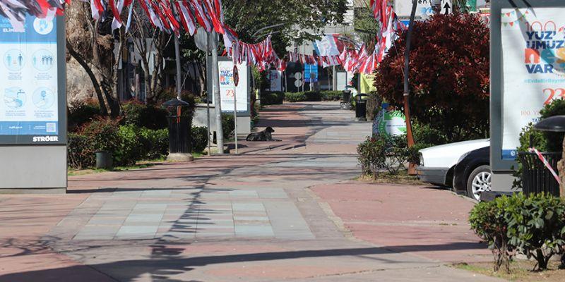 Kocaeli'de yasakla birlikte sokaklar boş kaldı