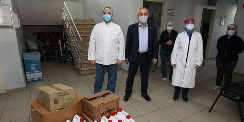 Belediye başkanından sağlıkçılara malzeme desteği