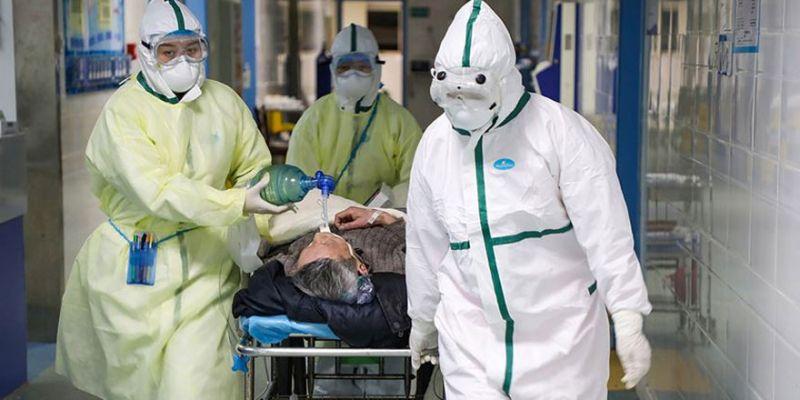 Koronavirüsü atlattıktan sonra yine yakalandılar