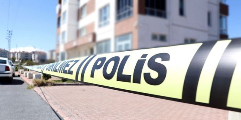 12 daireli apartman karantinaya alındı