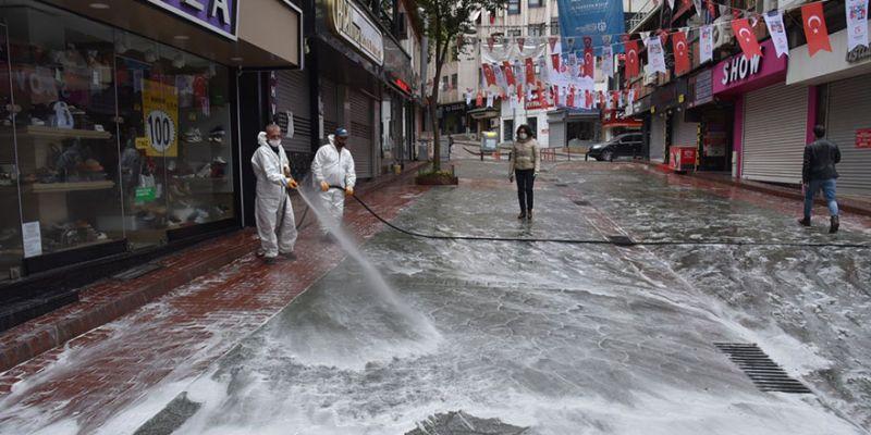 İzmit'te her hafta binlerce metrekare alan dezenfekte ediliyor