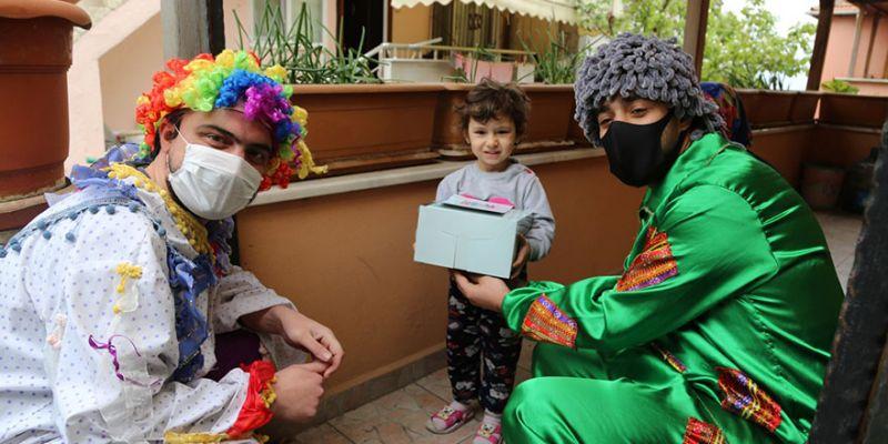 Sağlık çalışanlarının çocuklarına anlamlı sürpriz