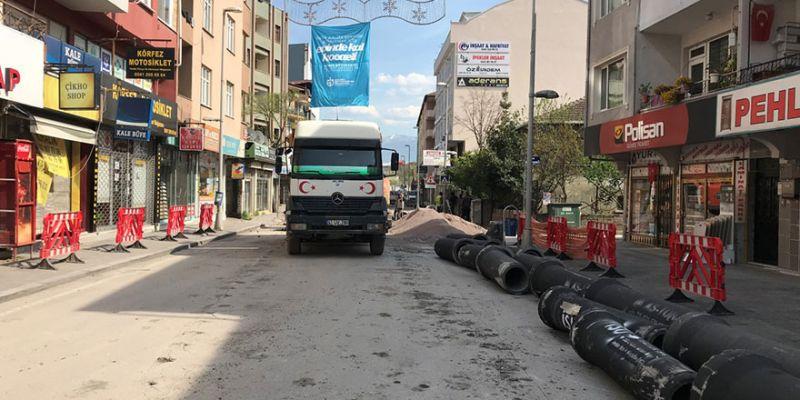 İzmit Bağdat Caddesi'nde altyapı inşaatı sürdürülüyor