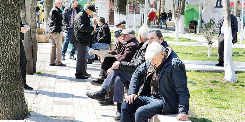 65 yaş üstü vatandaşlara müjde! Hafta sonu sokak izni geliyor