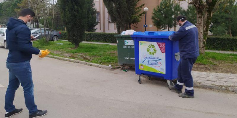 İzmit Belediyesi 60 yeni konteyner dağıttı