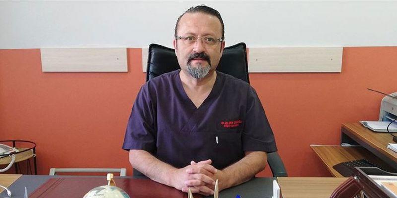 Kovid-19'u yenen profesör doktor yeniden göreve başladı