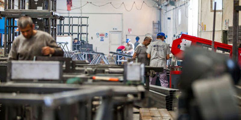 """Koronavirüs fabrikalarda yayılıyor: """"İşçilerde hasta sayısı 3 kat fazla"""""""