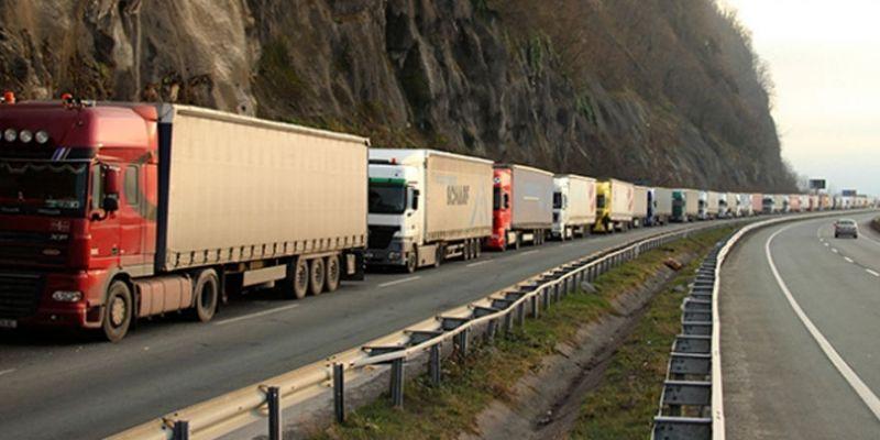 Orta Asya'dan yük getiren şoförlere karantina kalkıyor