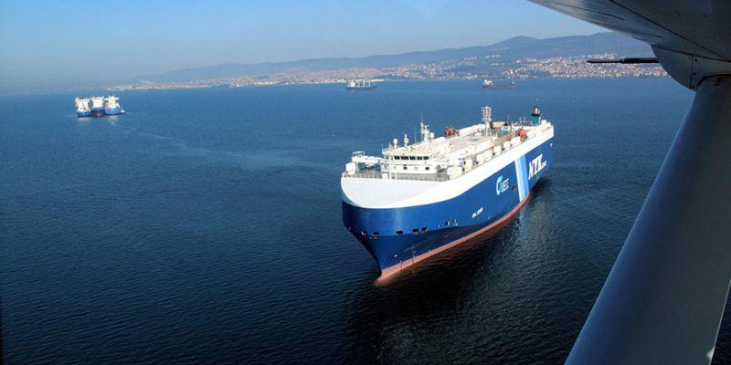 İzmit Körfezi'nde gemilere havadan denetim