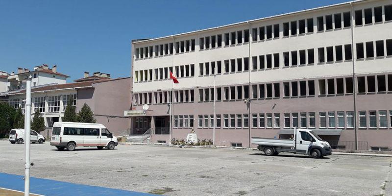 Az hasarlı 13 okul onarımdan geçiyor