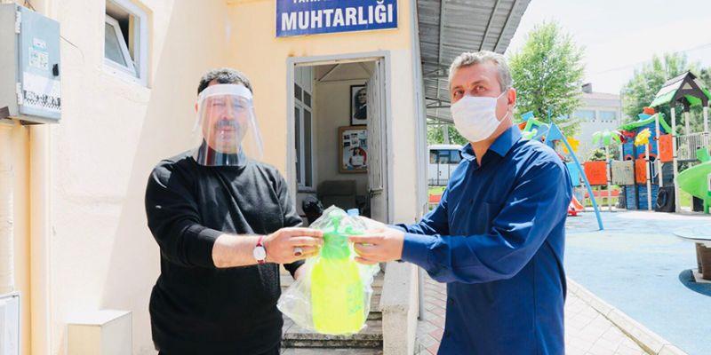 Berber ve kuaförlere dezenfektan pompası
