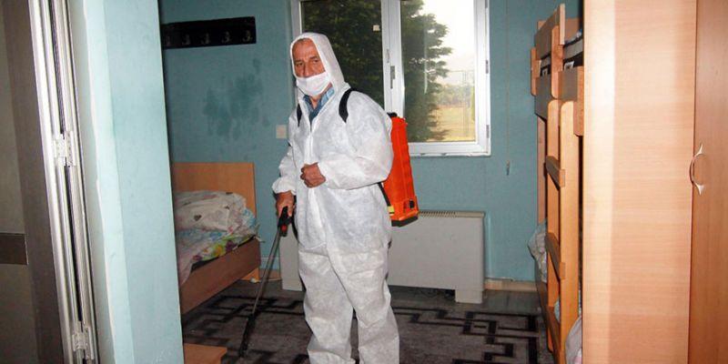 Gölcükspor tesisleri dezenfekte edildi