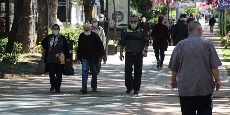 65 yaş üzeri vatandaşların sokağa çıkma saati değişti