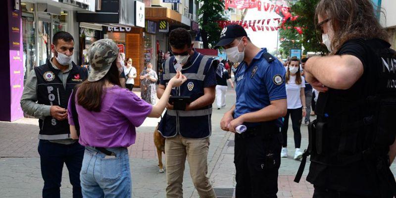 Kocaeli polisinden sıkı koronavirüs denetimi