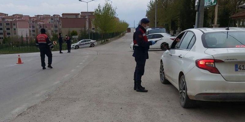 Kocaeli'de aranan 3 kişi uygulamada yakalandı