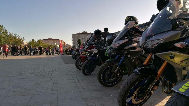 Motosiklet tutkunları 19 Mayıs coşkusunu renklendirdi