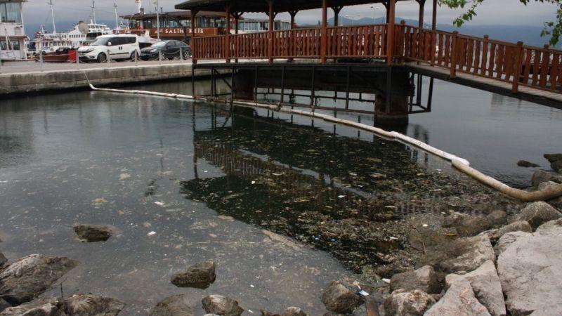 Marina sahili çok kirli